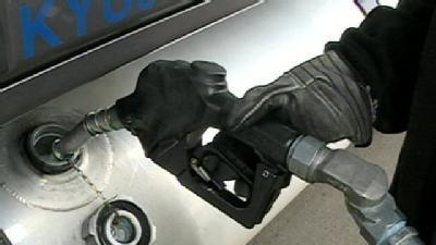 Truck Drivers Battle High Gas Prices