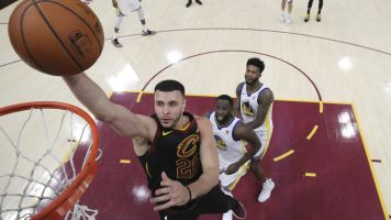 Sources: Nance agrees to extension with Cavs
