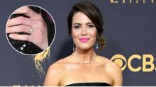 Mandy Moore shows off engagement ring on Emmys red carpet
