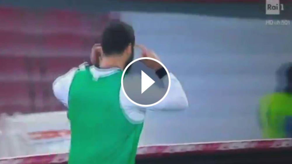 VIDEO: Higuaín reaccionó a los abucheos, señaló al presidente y ¡se equivocó de puerta!