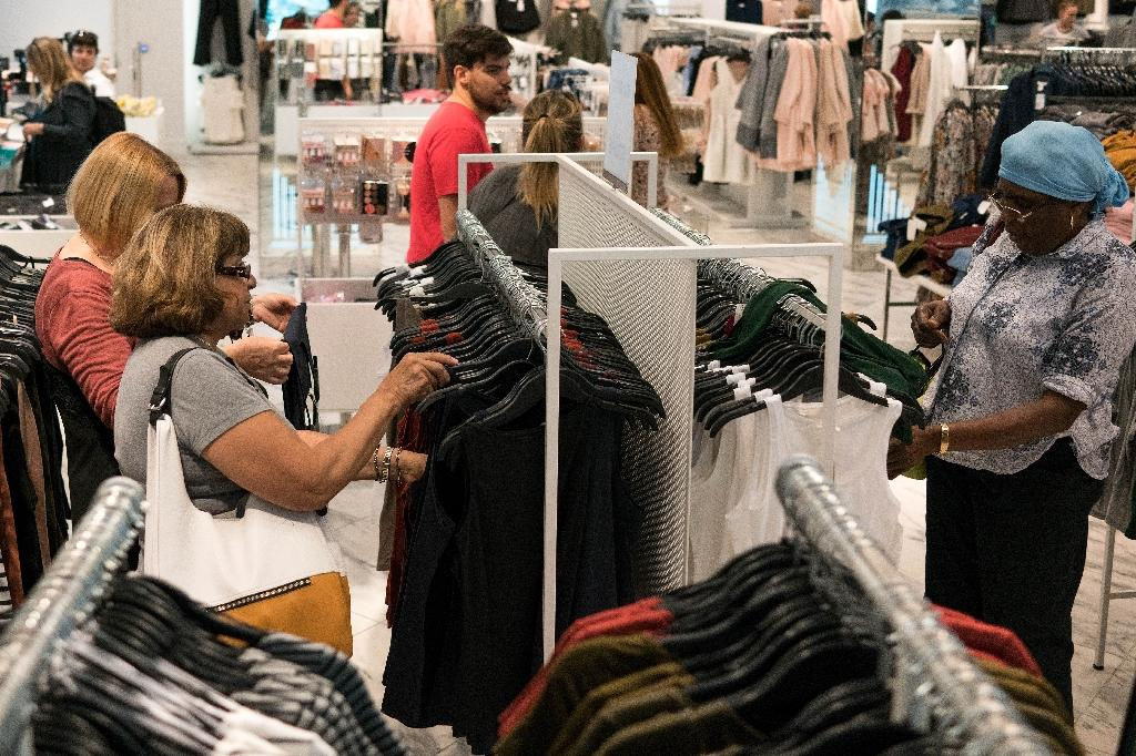 US consumer confidence jumped for the second straight month in August, surpassing expectations amid buoyant feelings about the present situation, according to a monthly survey