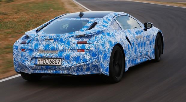 BMW i8 to use smartphone-style hardened glass for noise and weight reductions