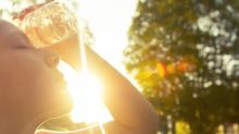What are the signs and symptoms of heat stroke and how can you prevent it?