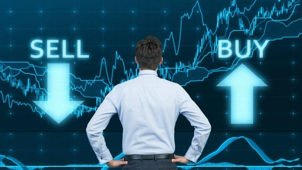 Is Aphria's (TSX:APHA) Stock a Buy or Sell Before Earnings on Tuesday?