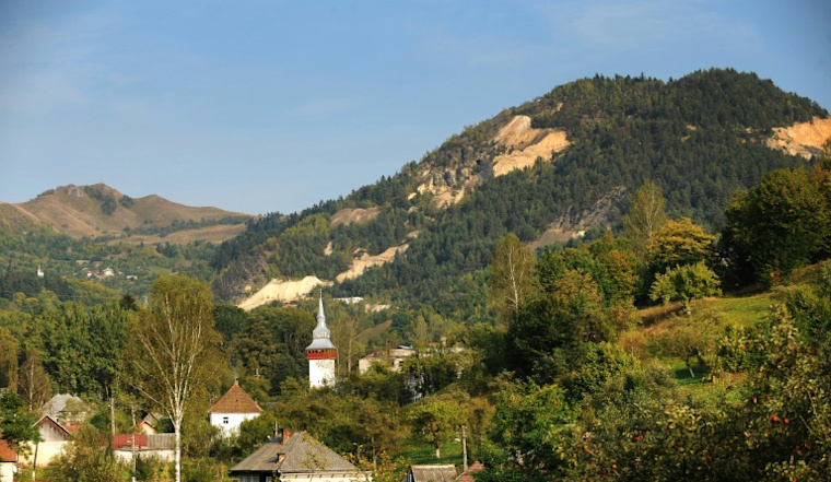 Romania asks UNESCO to protect planned open-cast goldmine site