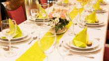 Nach abgeblasener Hochzeit: Braut lädt 170 Obdachlose zum Essen ein