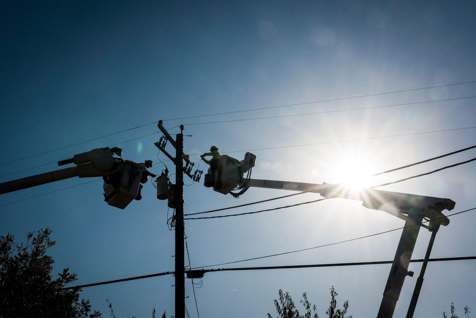 PG&E Warns 800,000 People May Go Dark in This Week's Blackout