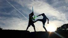 """""""Que la Fuerza te acompañe""""… Escuela realiza increíbles shows con sables de 'Star Wars'"""