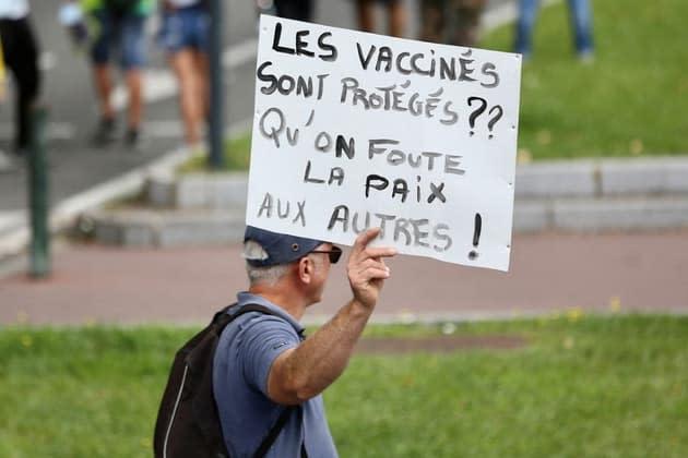 Covid-19: l'exécutif affiche sa sérénité face à la mobilisation anti-pass sanitaire et anti-vaccin