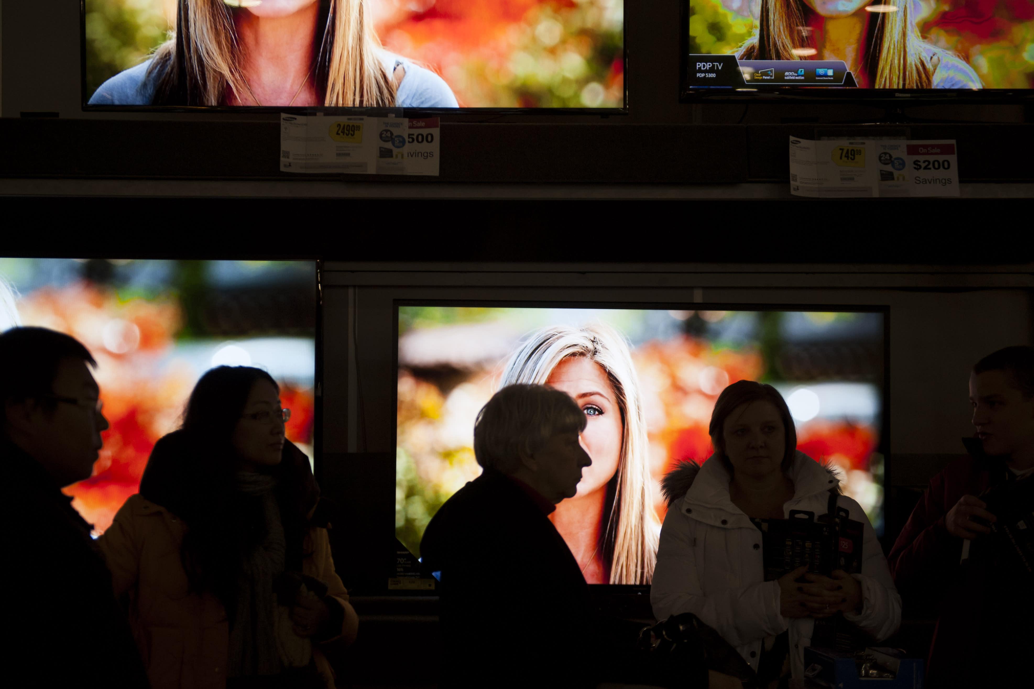 BLACK FRIDAY LIVE: Shoppers find better online