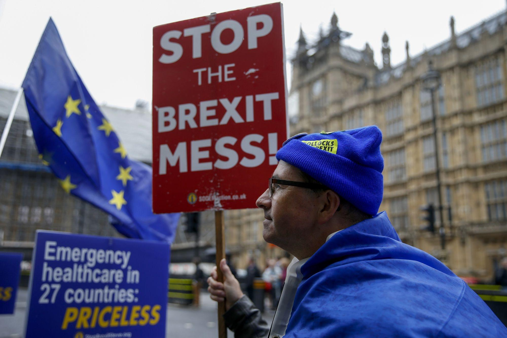 MPs Debate Government's Plans for No-Deal Split: Brexit Update