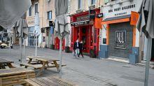 Coronavirus : à Marseille, les soignants défendent la fermeture des bars et restaurants