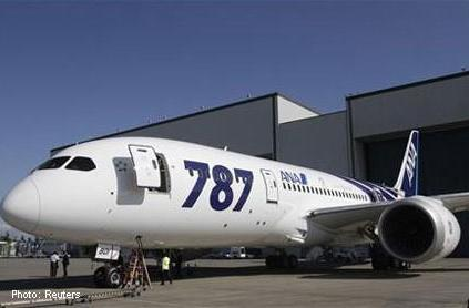 Boeing officially delivers 787 Dreamliner to ANA, future of air travel finally arrives