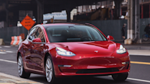 Elon Musk told Tesla employees they should be making 7,000 Model 3s per week by November 28