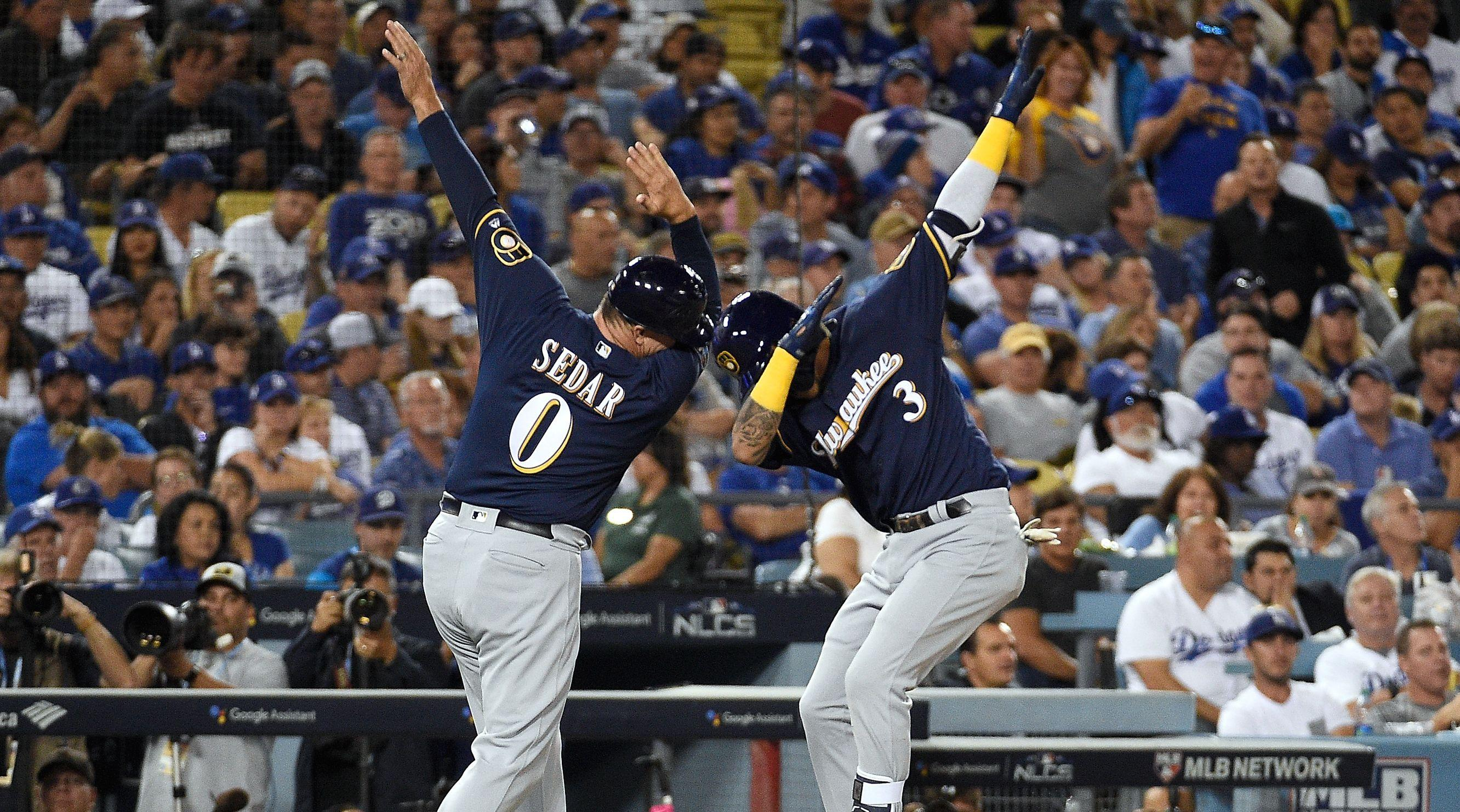 Brewers blank Dodgers to take 2-1 NLCS lead
