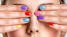 Como surgiu o costume de pintar as unhas?