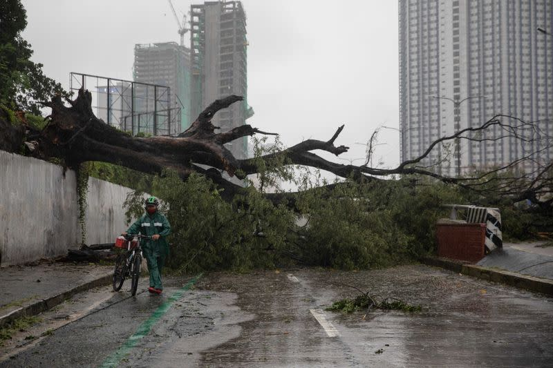 Typhoon Vamco triggers worst floods in Philippine capital for years