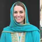 Kate Middleton and Prince William Visit Same Pakistani Mosque Princess Diana Went to 28 Years Ago