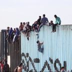 Central American migrants seeking asylum reach US border in Tijuana