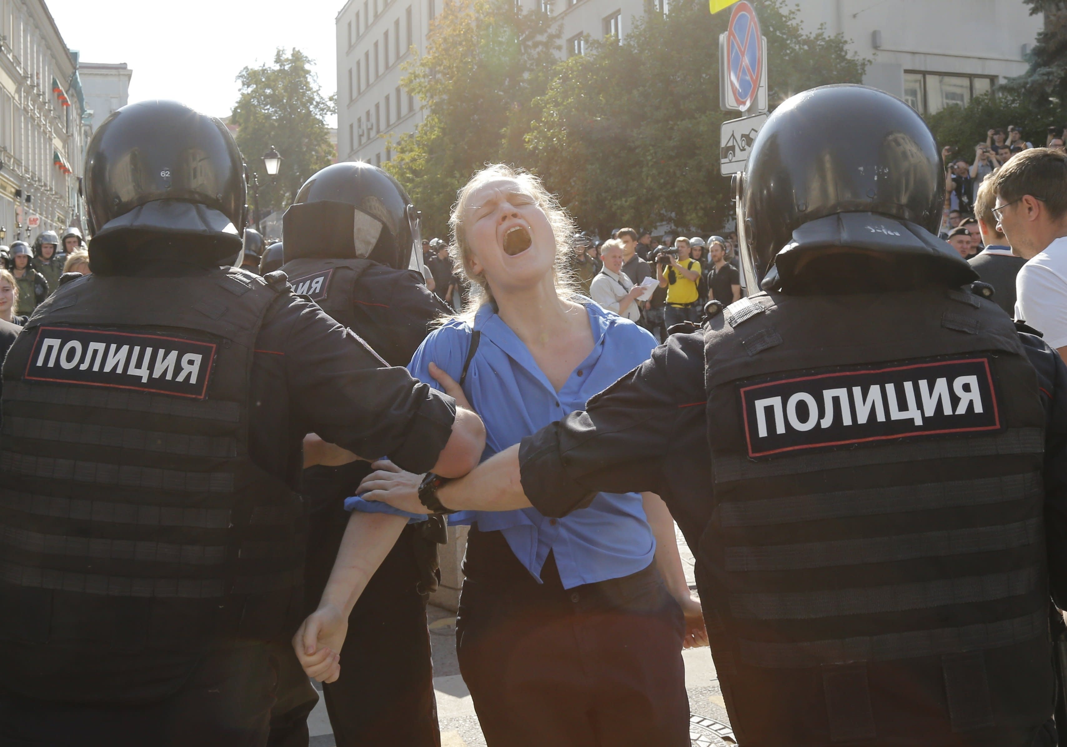 Russian opposition leader re-jailed after poison scare
