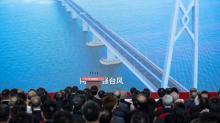 Xi Jinping inaugura ponte entre Hong Kong, Macau e China continental