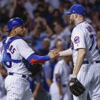 Contreras homers as Quintana, Cubs beat Cards, tie Brewers