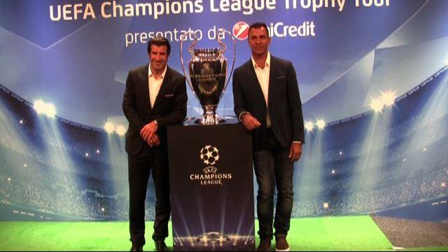 Champions league, Gullit e Figo portano in tour la Coppa