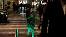 In Tel Aviv gibt es jetzt Fußbodenampeln für Smartphone-Nutzer