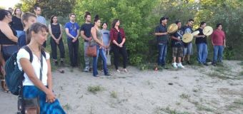 'Water is sacred': People gather along river in Saskatoon