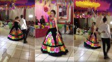 La quinceañera que no bailó vals... y encantó a todos al rescatar sus tradiciones oaxaqueñas