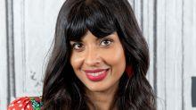 """Jameela Jamil de """"The Good Place"""" crée une entreprise pour changer les discours haineux sur le corps"""