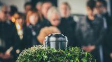Lo que JAMÁS deberías hacer en un funeral