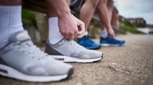 ¿Para qué sirven los agujeros extras de las zapatillas deportivas?