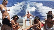 Passeio de barco, balada e suposto affair agitam viagem de Anitta à Croácia