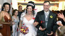 Alunos organizam casamento para travesti para concluir curso