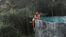 Instagram travel couple defends 'moronic' infinity pool photo: 'We felt safe'