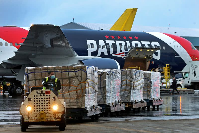 New England Patriots' truck delivers masks to New York to help ...