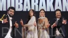 Watch: Anil Kapoor steals the show from the youngsters while grooving for The Goggle Song at the Mubarakan event