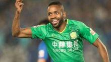 Foot - CHN - Chine:Cédric Bakambu sauve le Beijing Guoan