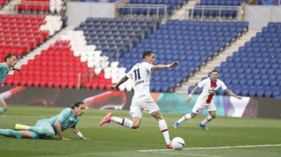 Foot - Coupe - Le magnifique coup du foulard de Di Maria face à Angers en Coupe de France