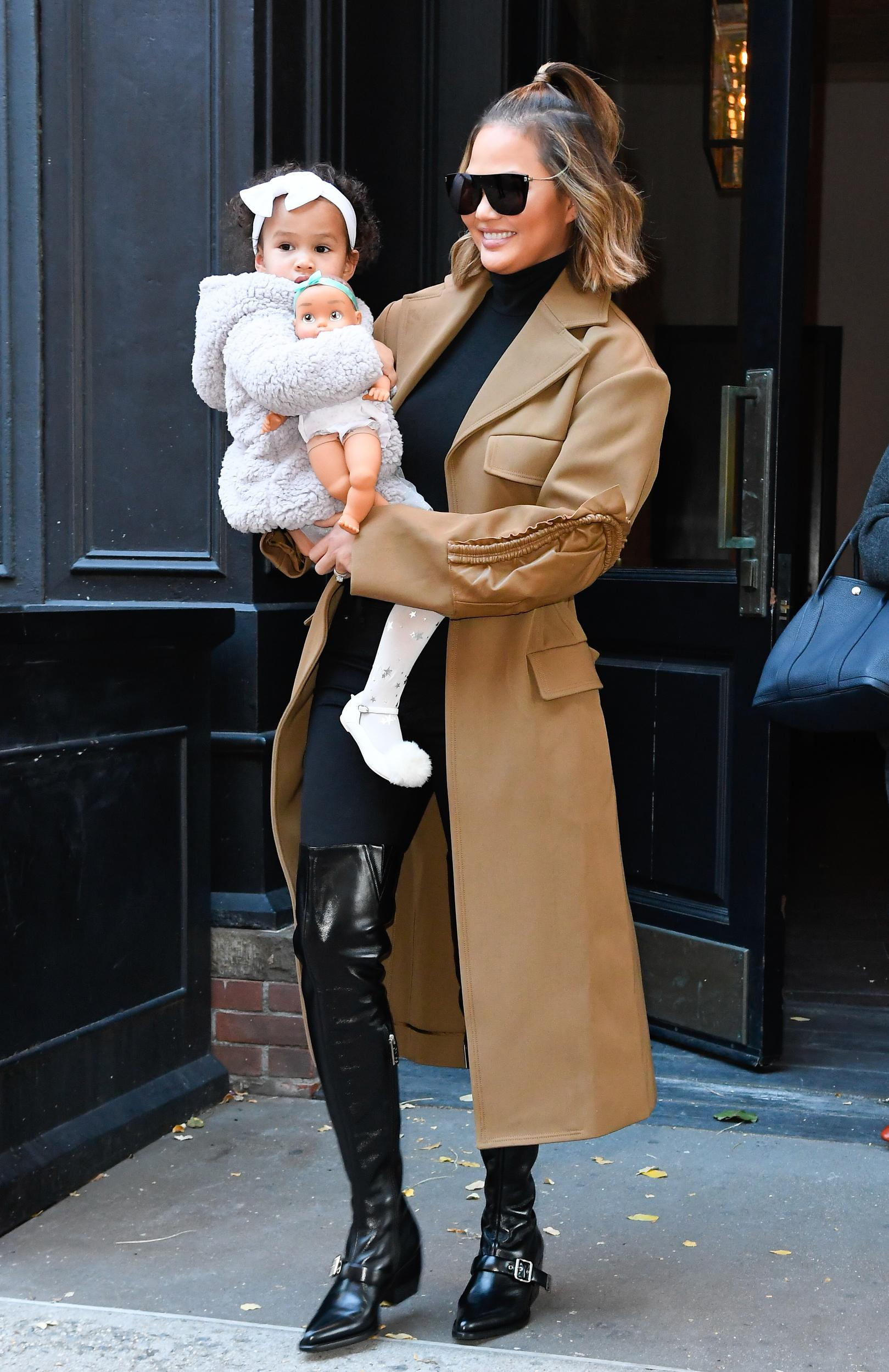 NEW YORK, NY - NOVEMBER 08:  Model Chrissy Teigen and her daughter Luna Legend are seen walking in soho on November 8, 2018 in New York City.  (Photo by Raymond Hall/GC Images)