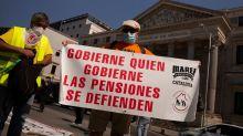 El Gobierno subirá un 0,9% las pensiones y los sueldos de los funcionarios