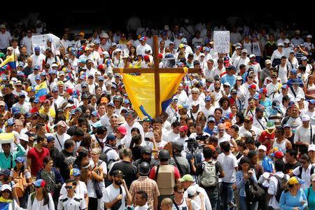 Opositores piden justicia por los manifestantes muertos en Venezuela
