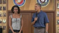Obama, First Lady visit troops in Hawaii