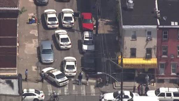 Police shoot gunman in North Philadelphia, Ramsey calls for investigation