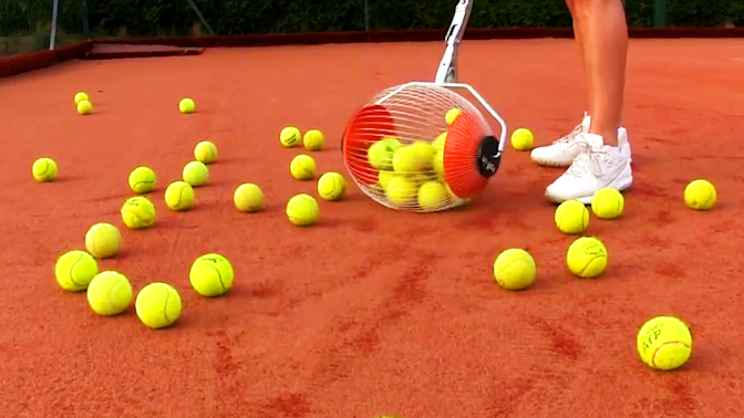 This rolling cage collects up to 60 tennis balls within seconds