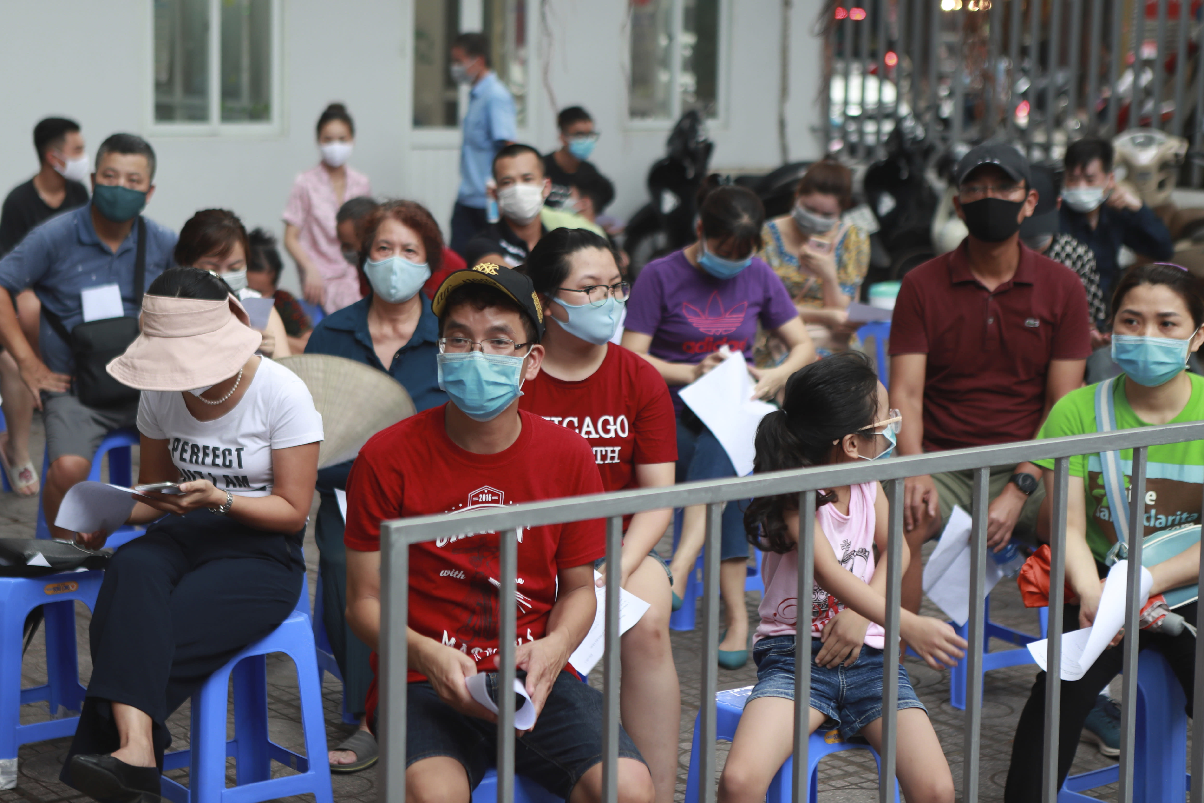 Vietnam records 28 new COVID-19 cases, 586 in total