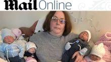 Mulher gasta mais de R$ 2.500 em presentes de Natal para suas bonecas