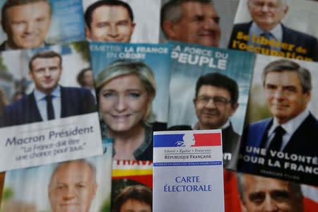Los territorios de ultramar dan inicio a unas cruciales elecciones en Francia