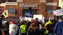 Walmart workers threaten strike on Black Friday